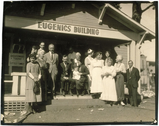 https://upload.wikimedia.org/wikipedia/en/1/10/Eugenics-Fitter-Families-Contest-Winners-Topeka-Kansas.jpg